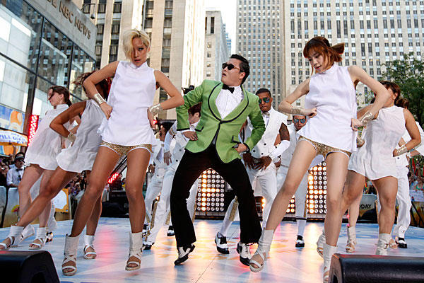Gangnam-Style_full_600